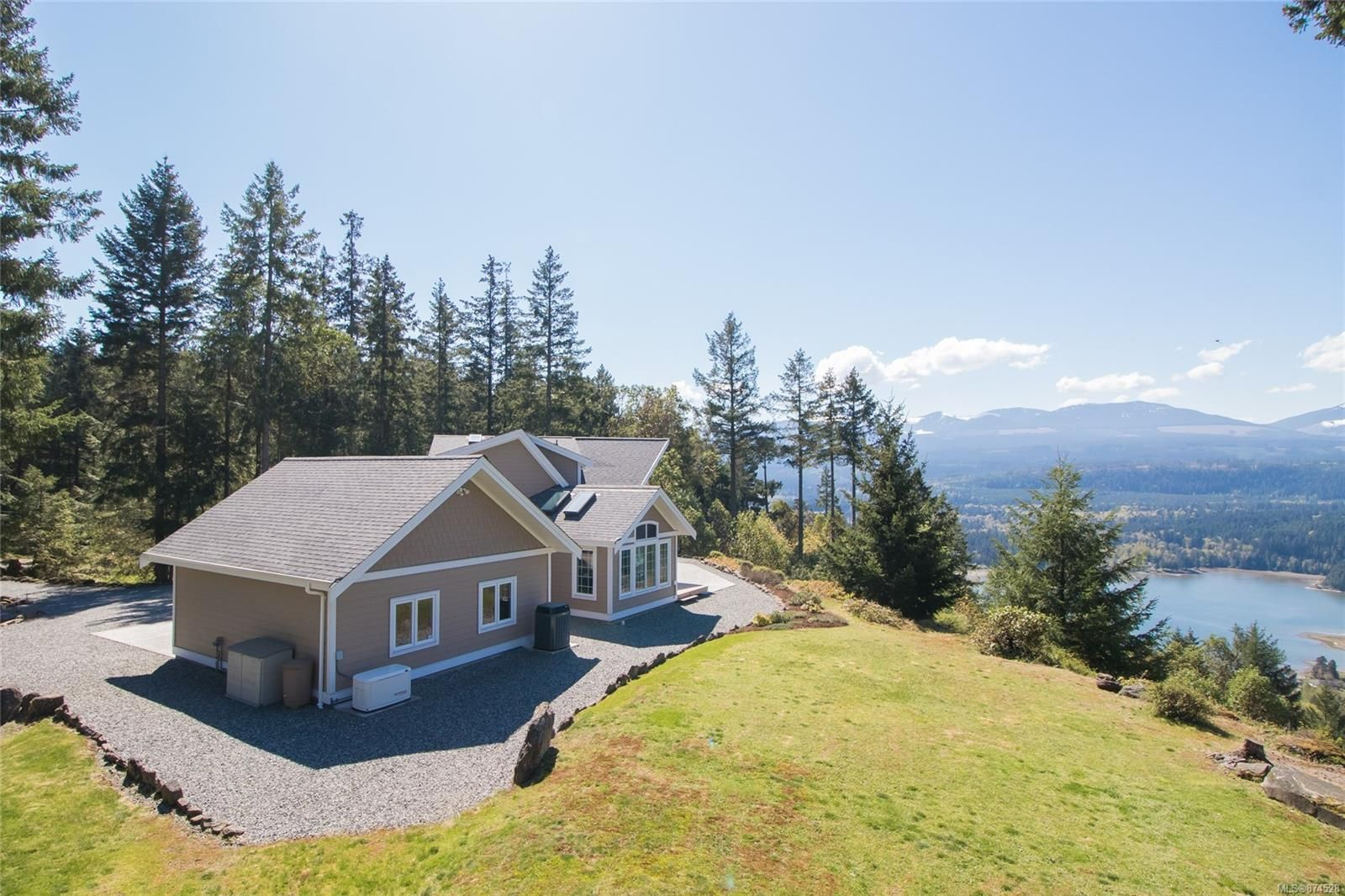 Main Photo: 5075 Aho Rd in : Du Ladysmith House for sale (Duncan)  : MLS®# 874528