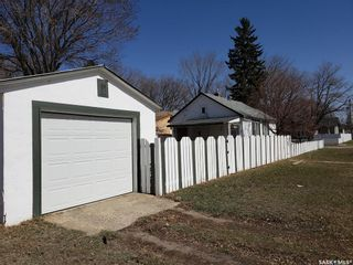 Photo 5: 135 J Avenue South in Saskatoon: Pleasant Hill Residential for sale : MLS®# SK849640