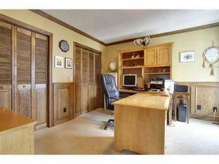 Photo 10: 126 HAWKVIEW MANOR Court NW in Calgary: 2 Storey Split for sale : MLS®# C3525353