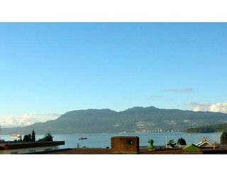 Photo 4: 402 1631 VINE ST in Vancouver: Kitsilano Condo for sale (Vancouver West)  : MLS®# V563897