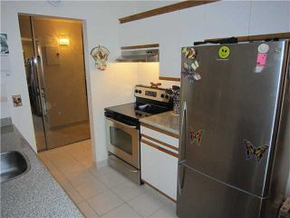 """Photo 4: 204 327 W 2ND Street in North Vancouver: Lower Lonsdale Condo for sale in """"Somerset Manor"""" : MLS®# V847989"""