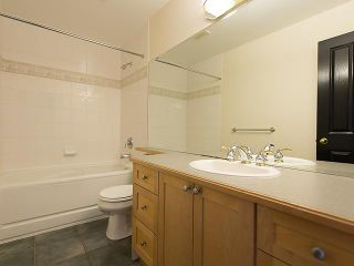 """Photo 11: PH4 380 W 10TH Avenue in Vancouver: Mount Pleasant VW Townhouse for sale in """"Turnbull's Watch"""" (Vancouver West)  : MLS®# V1053163"""