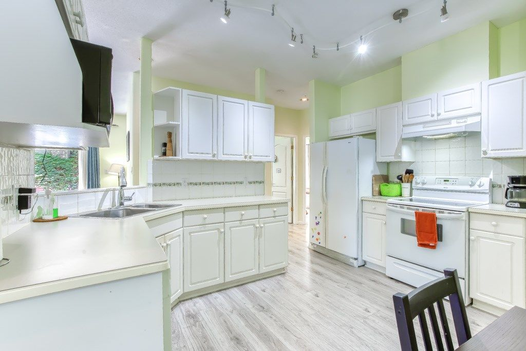 """Photo 7: Photos: 1 21579 88B Avenue in Langley: Walnut Grove Townhouse for sale in """"Carriage Park"""" : MLS®# R2494791"""