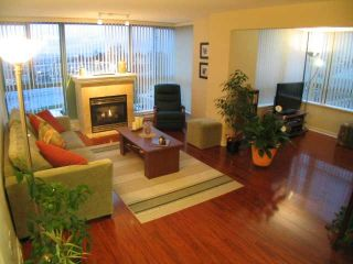 """Photo 2: 404 6659 Southoaks Crescent, South Burnaby in Burnaby: Highgate Condo for sale in """"Gemini II"""" (Burnaby North)"""