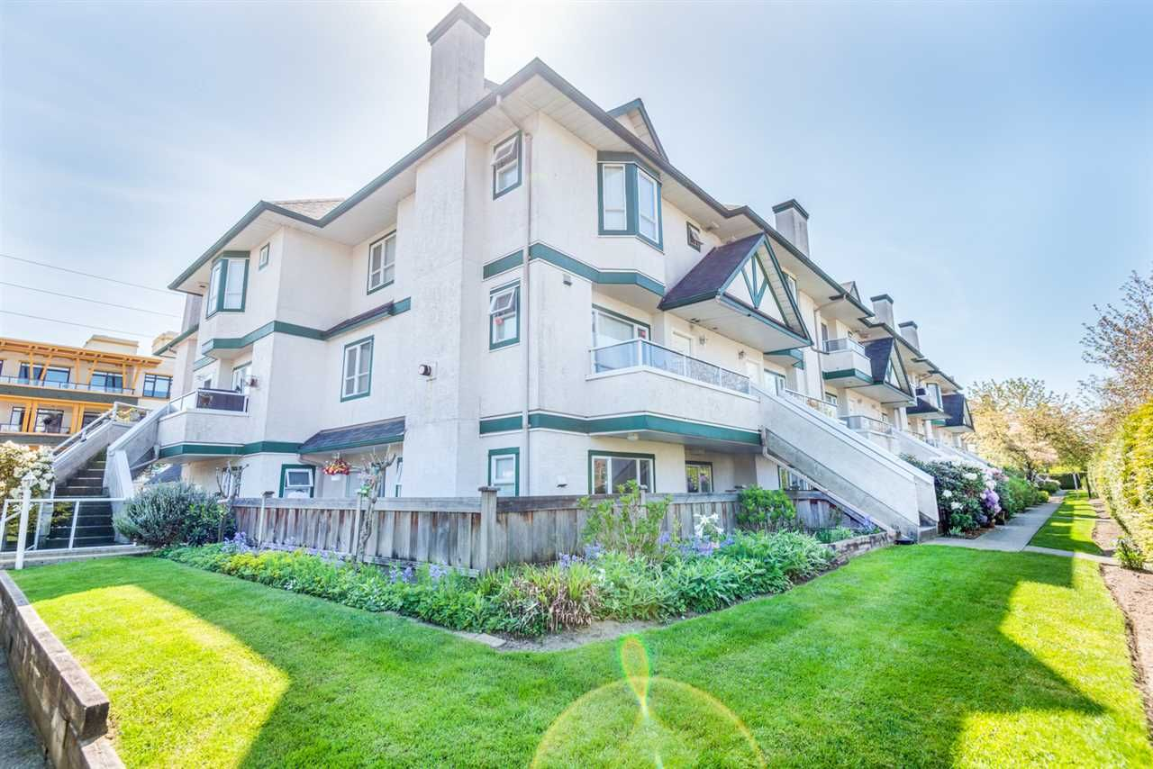 """Main Photo: 216 3978 ALBERT Street in Burnaby: Vancouver Heights Townhouse for sale in """"HERITAGE GREENE"""" (Burnaby North)  : MLS®# R2365578"""
