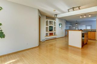 Photo 10: 96 Valley Stream Close NW in Calgary: Valley Ridge Detached for sale : MLS®# A1080576