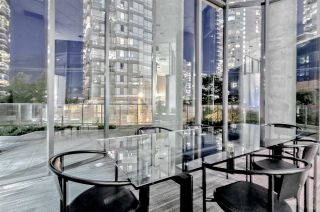 "Photo 19: 807 1331 W GEORGIA Street in Vancouver: Coal Harbour Condo for sale in ""THE POINTE"" (Vancouver West)  : MLS®# R2483635"