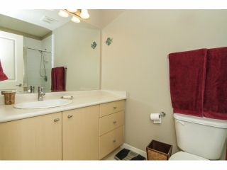 """Photo 15: 52 7155 189 Street in Surrey: Clayton Townhouse for sale in """"BACARA"""" (Cloverdale)  : MLS®# F1420610"""