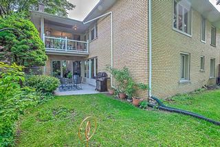 Photo 19: 59 Riverwood Parkway in Toronto: Stonegate-Queensway House (Bungalow) for sale (Toronto W07)  : MLS®# W4491035