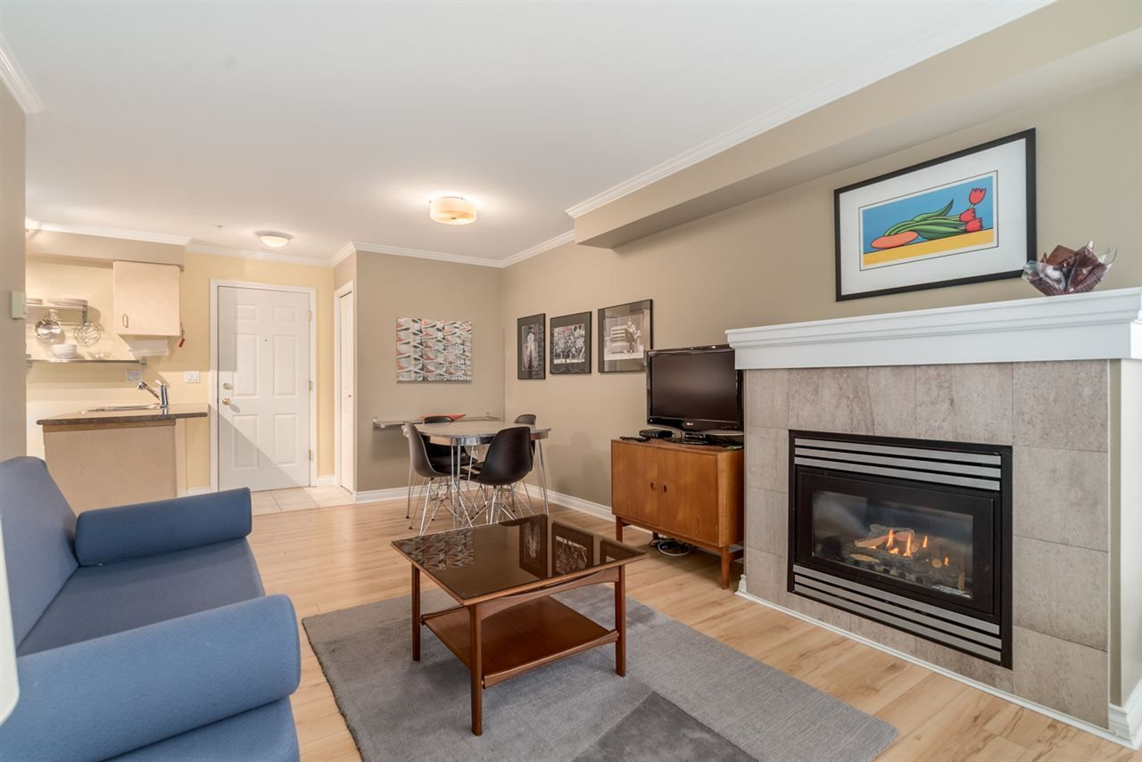"""Main Photo: 303 1617 GRANT Street in Vancouver: Grandview VE Condo for sale in """"Evergreen Place"""" (Vancouver East)  : MLS®# R2232192"""