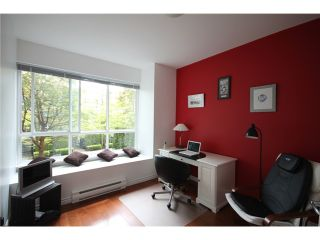 """Photo 7: 6717 VILLAGE Grove in Burnaby: Highgate Townhouse for sale in """"THE MONTEREY"""" (Burnaby South)  : MLS®# V952131"""