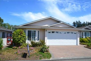 Photo 1: 8 Eagle Lane in View Royal: VR Glentana Manufactured Home for sale : MLS®# 843897