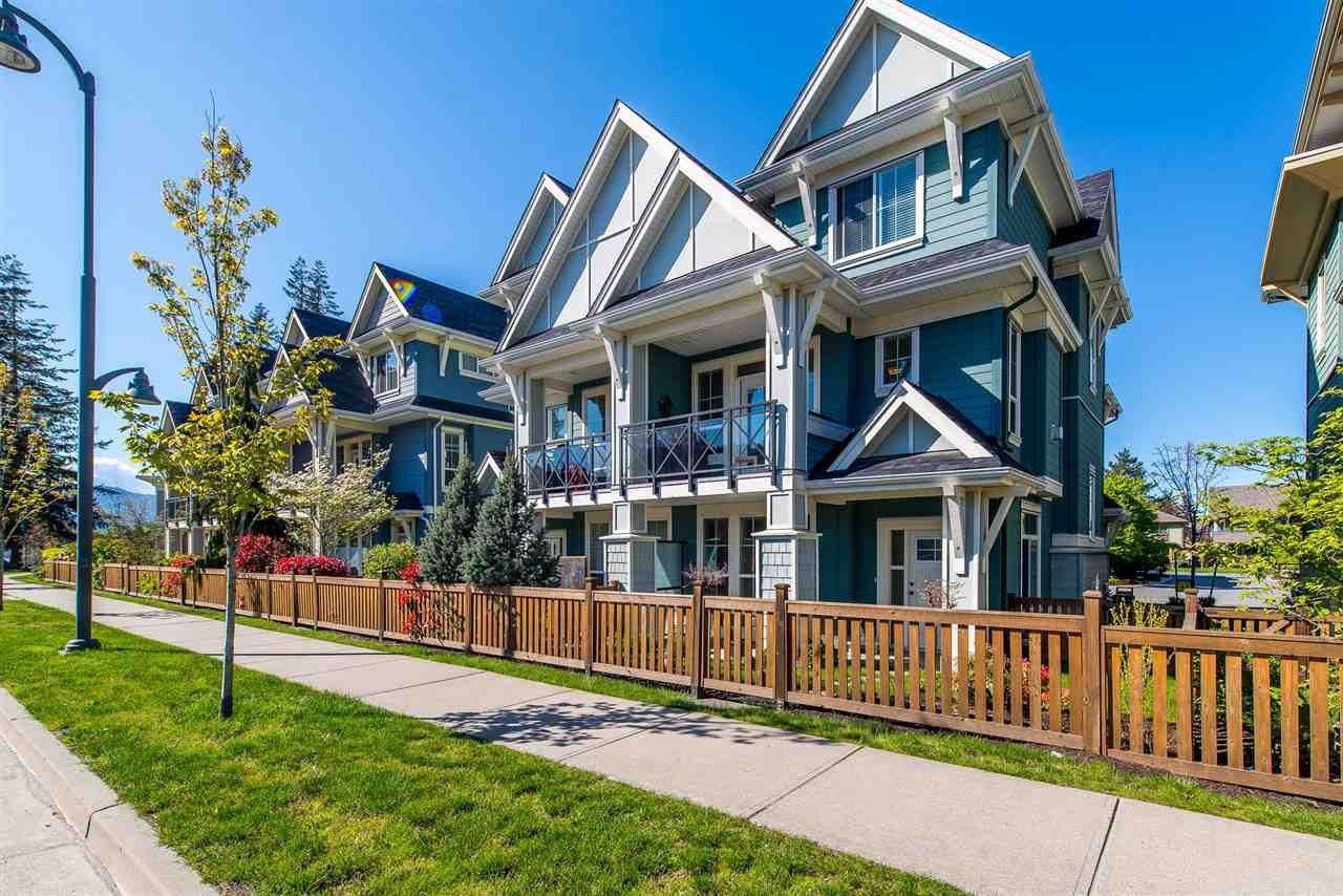 """Main Photo: 34 45290 SOOWAHLIE Crescent in Sardis: Vedder S Watson-Promontory Townhouse for sale in """"Park Gate Townhomes"""" : MLS®# R2361570"""
