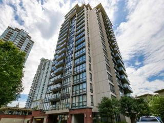 "Photo 2: 206 2959 GLEN Drive in Coquitlam: North Coquitlam Condo for sale in ""THE PARC"" : MLS®# R2084146"