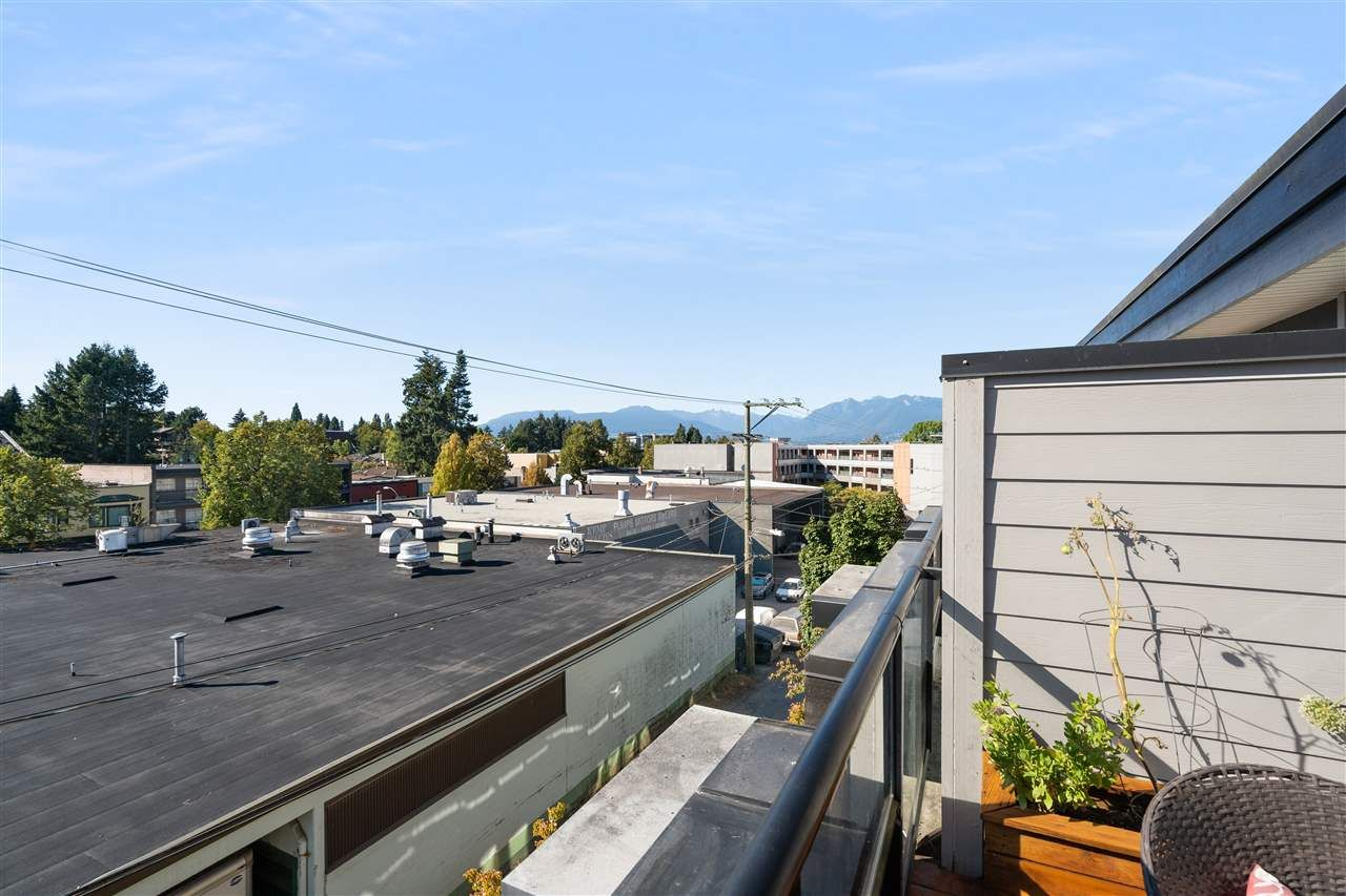 """Photo 18: Photos: 104 1855 STAINSBURY Avenue in Vancouver: Victoria VE Townhouse for sale in """"The Works"""" (Vancouver East)  : MLS®# R2494978"""