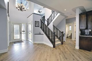 Photo 2: 46 West Cedar Place SW in Calgary: West Springs Detached for sale : MLS®# A1112742