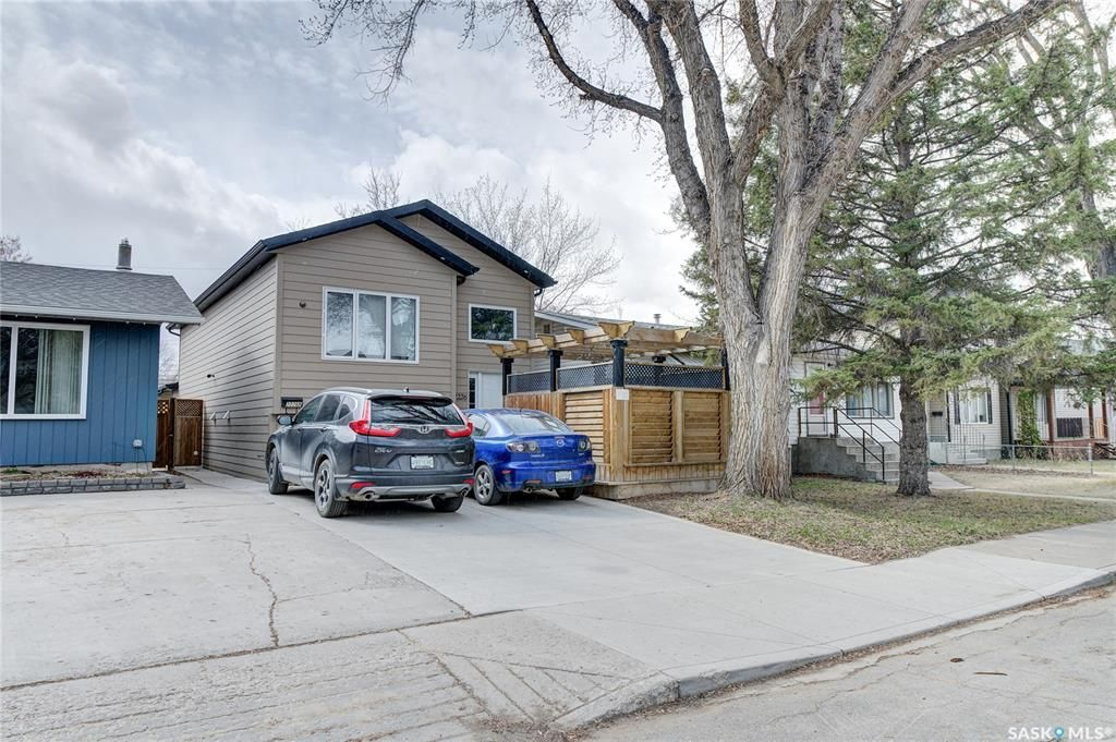Main Photo: 2226 St Patrick Avenue in Saskatoon: Exhibition Residential for sale : MLS®# SK848870