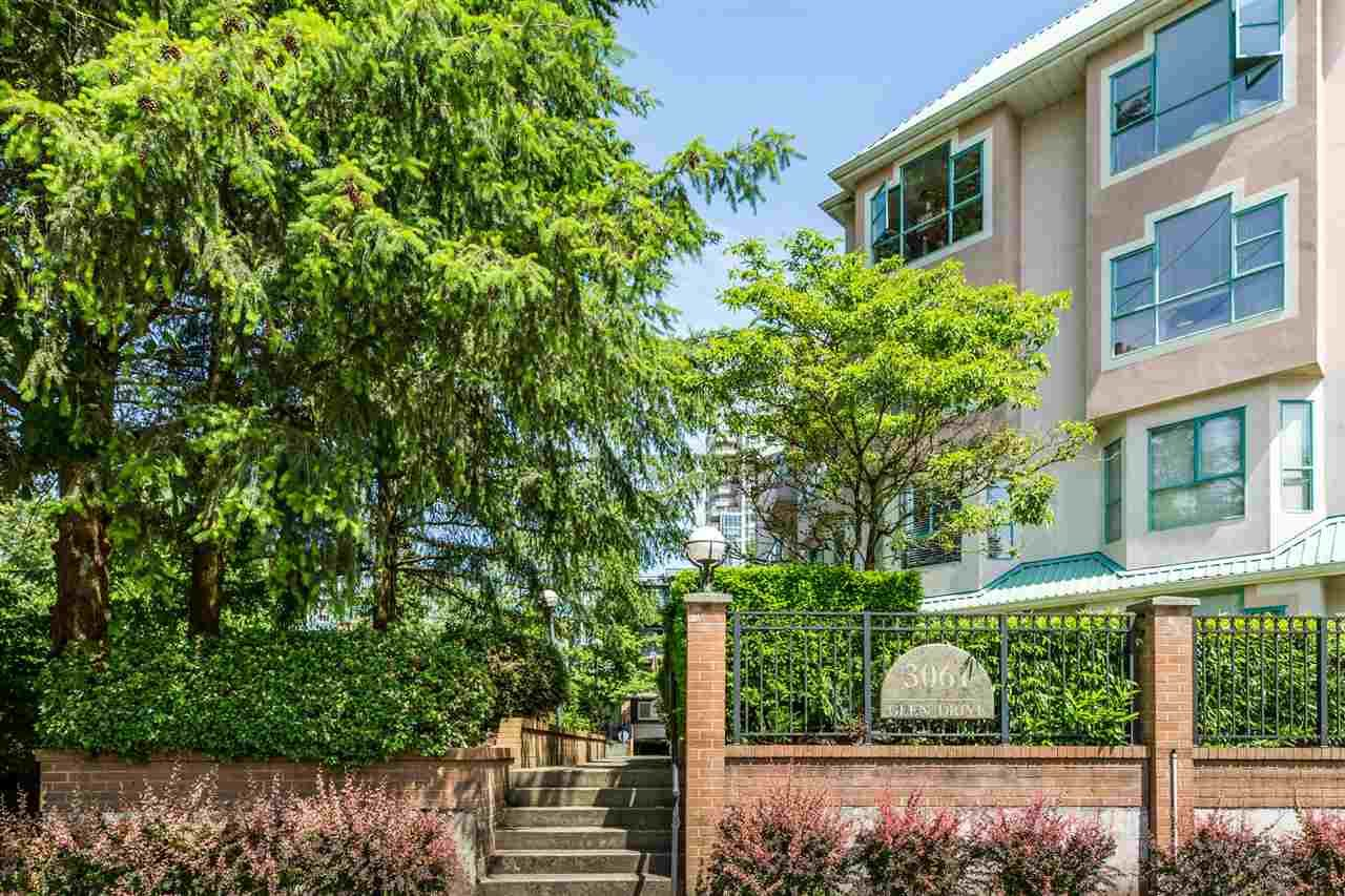 Main Photo: 104W 3061 GLEN Drive in Coquitlam: North Coquitlam Townhouse for sale : MLS®# R2174767