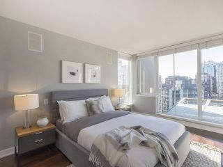"""Photo 25: 2001 1055 RICHARDS Street in Vancouver: Downtown VW Condo for sale in """"Donovan"""" (Vancouver West)  : MLS®# R2555936"""