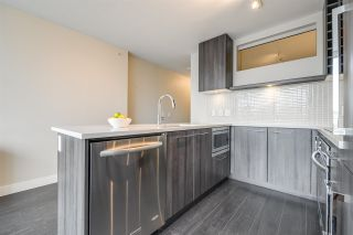 "Photo 9: 1604 668 COLUMBIA Street in New Westminster: Quay Condo for sale in ""TRAPP & HOLBROOK"" : MLS®# R2541245"