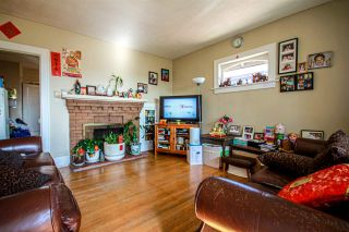 Photo 8: 3657 E PENDER Street in Vancouver: Renfrew VE House for sale (Vancouver East)  : MLS®# R2561375