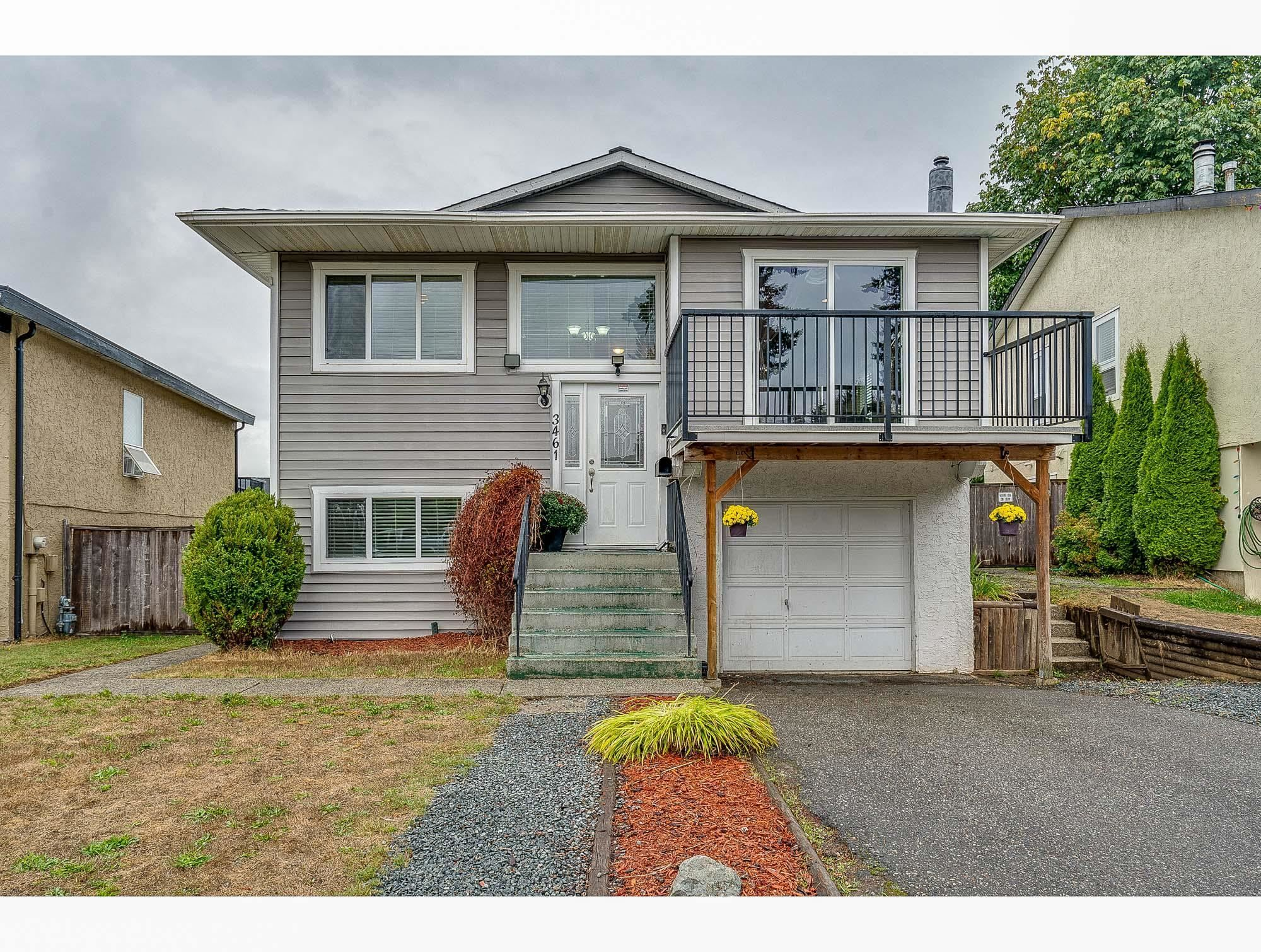 Main Photo: 3461 JUNIPER Crescent in Abbotsford: Abbotsford East House for sale : MLS®# R2617514