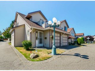 """Photo 1: 205 13725 72A Avenue in Surrey: East Newton Townhouse for sale in """"PARK PLACE ESTATES"""" : MLS®# F1418923"""
