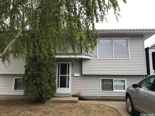 Photo 1: 27 Elmwood Place in Prince Albert: SouthWood Residential for sale : MLS®# SK855754