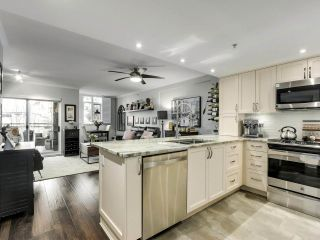 """Photo 4: 201 2665 W BROADWAY in Vancouver: Kitsilano Condo for sale in """"MAGUIRE BUILDING"""" (Vancouver West)  : MLS®# R2565478"""