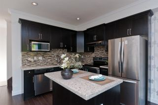 """Photo 5: 5 8531 WILLIAMS Road in Richmond: Saunders Townhouse for sale in """"PARKFRONT"""" : MLS®# R2200389"""