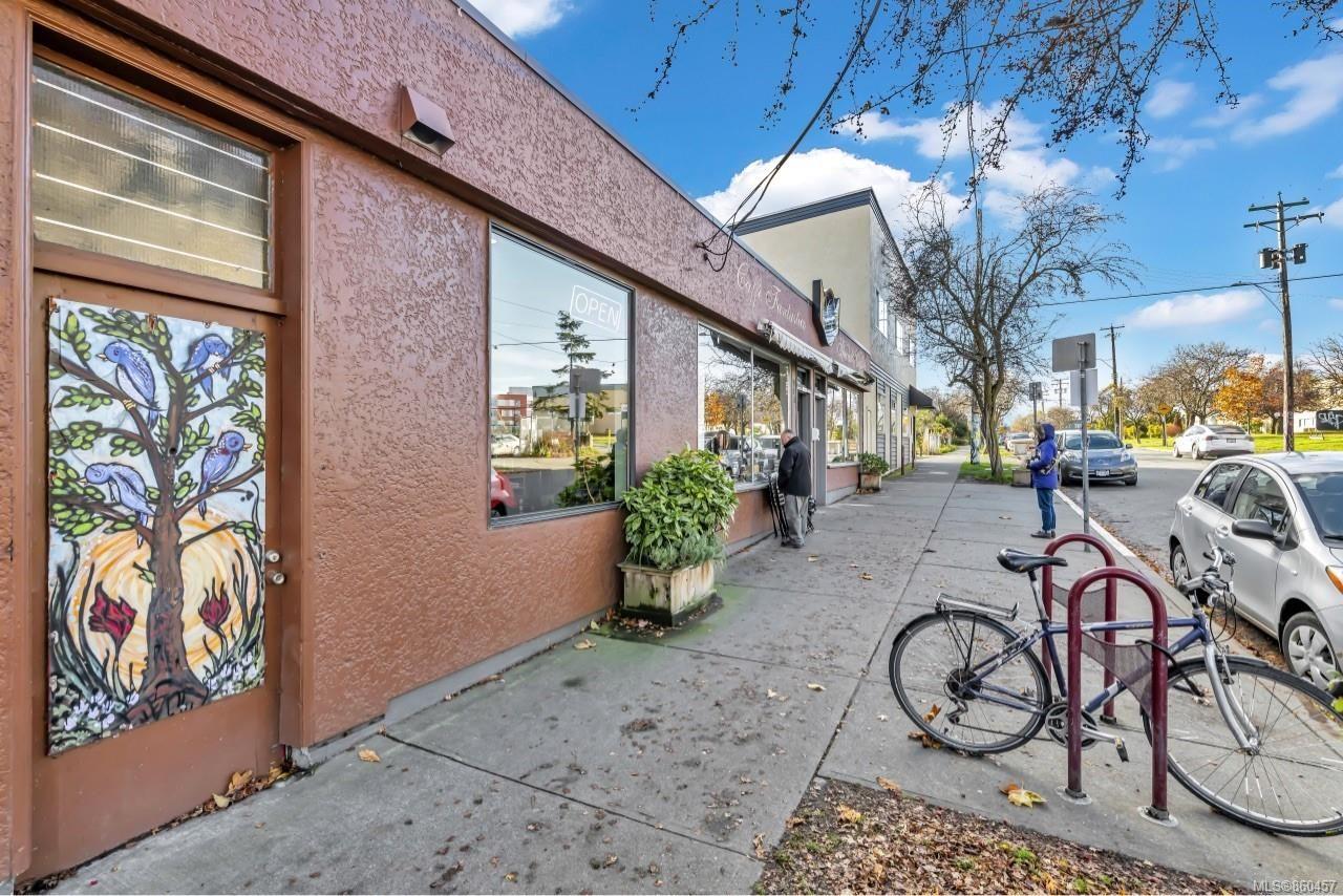 Photo 32: Photos: 105 2529 Wark St in : Vi Hillside Condo for sale (Victoria)  : MLS®# 860457