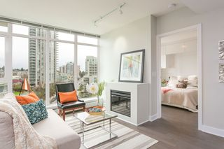 """Photo 2: 701 175 W 2ND Street in North Vancouver: Lower Lonsdale Condo for sale in """"Ventana"""" : MLS®# R2155702"""