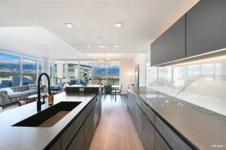 """Photo 7: 2001 620 CARDERO Street in Vancouver: Coal Harbour Condo for sale in """"Cardero"""" (Vancouver West)  : MLS®# R2563409"""