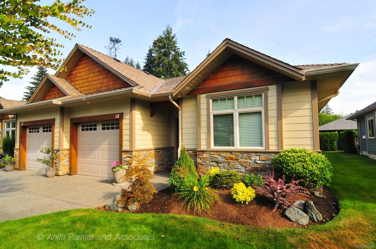 Main Photo: 18 48 S McPhedran Rd in : CR Campbell River Central Row/Townhouse for sale (Campbell River)  : MLS®# 860499