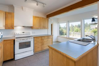"""Photo 12: 1540 WHITE SAILS Drive: Bowen Island House for sale in """"Tunstall Bay"""" : MLS®# R2613126"""