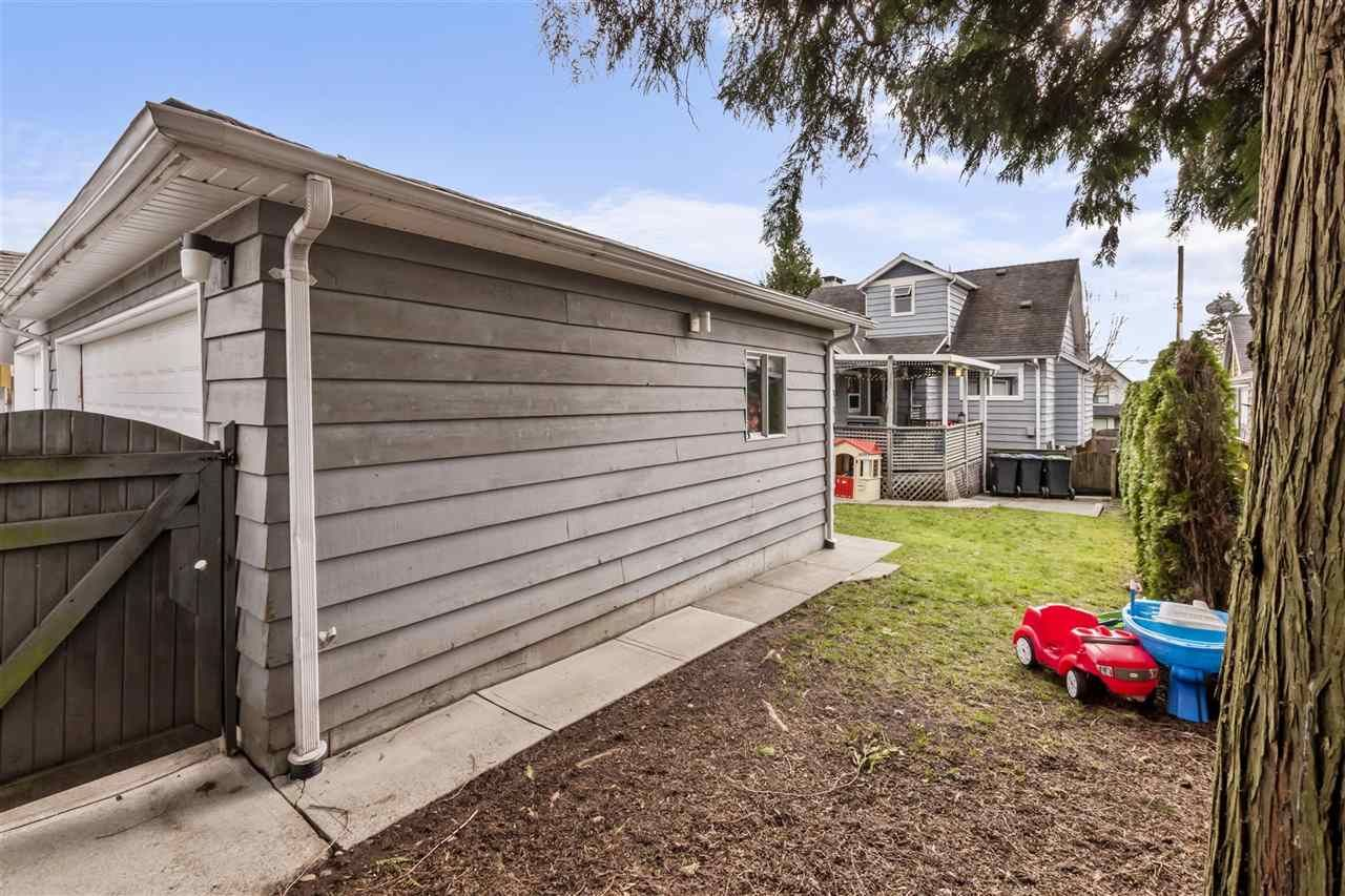 Photo 19: Photos: 1913 EDINBURGH Street in New Westminster: West End NW House for sale : MLS®# R2547519