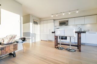 """Photo 3: 2207 999 SEYMOUR Street in Vancouver: Downtown VW Condo for sale in """"999 Seymour"""" (Vancouver West)  : MLS®# R2521915"""