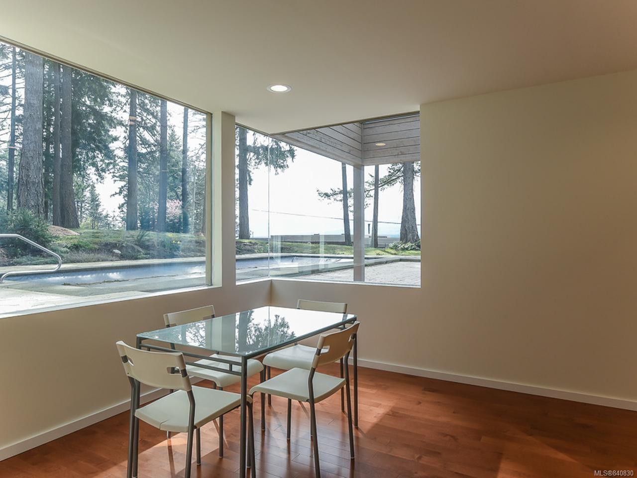Photo 14: Photos: 1156 Moore Rd in COMOX: CV Comox Peninsula House for sale (Comox Valley)  : MLS®# 840830