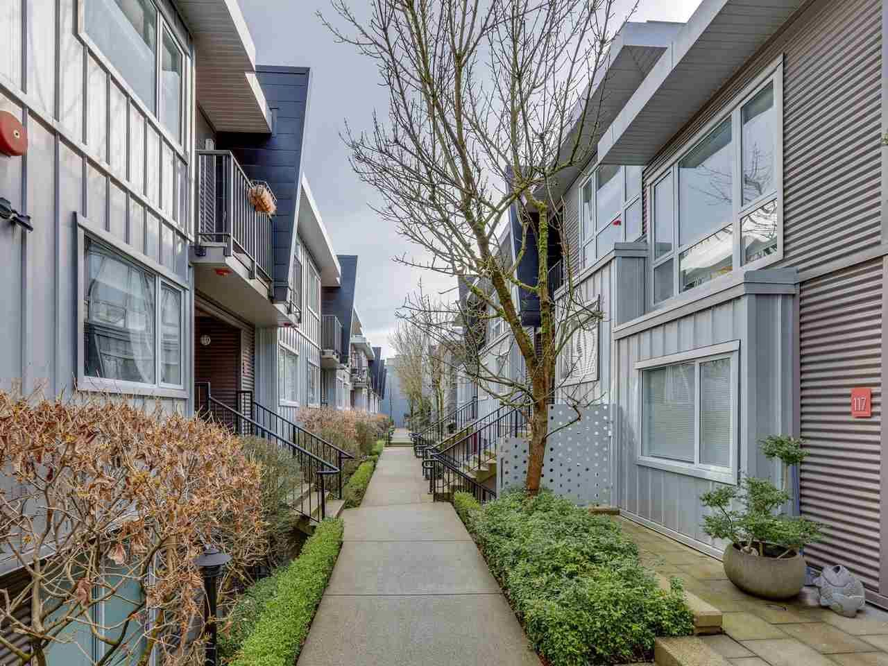 "Main Photo: 213 672 W 6TH Avenue in Vancouver: Fairview VW Townhouse for sale in ""BOHEMIA"" (Vancouver West)  : MLS®# R2546703"