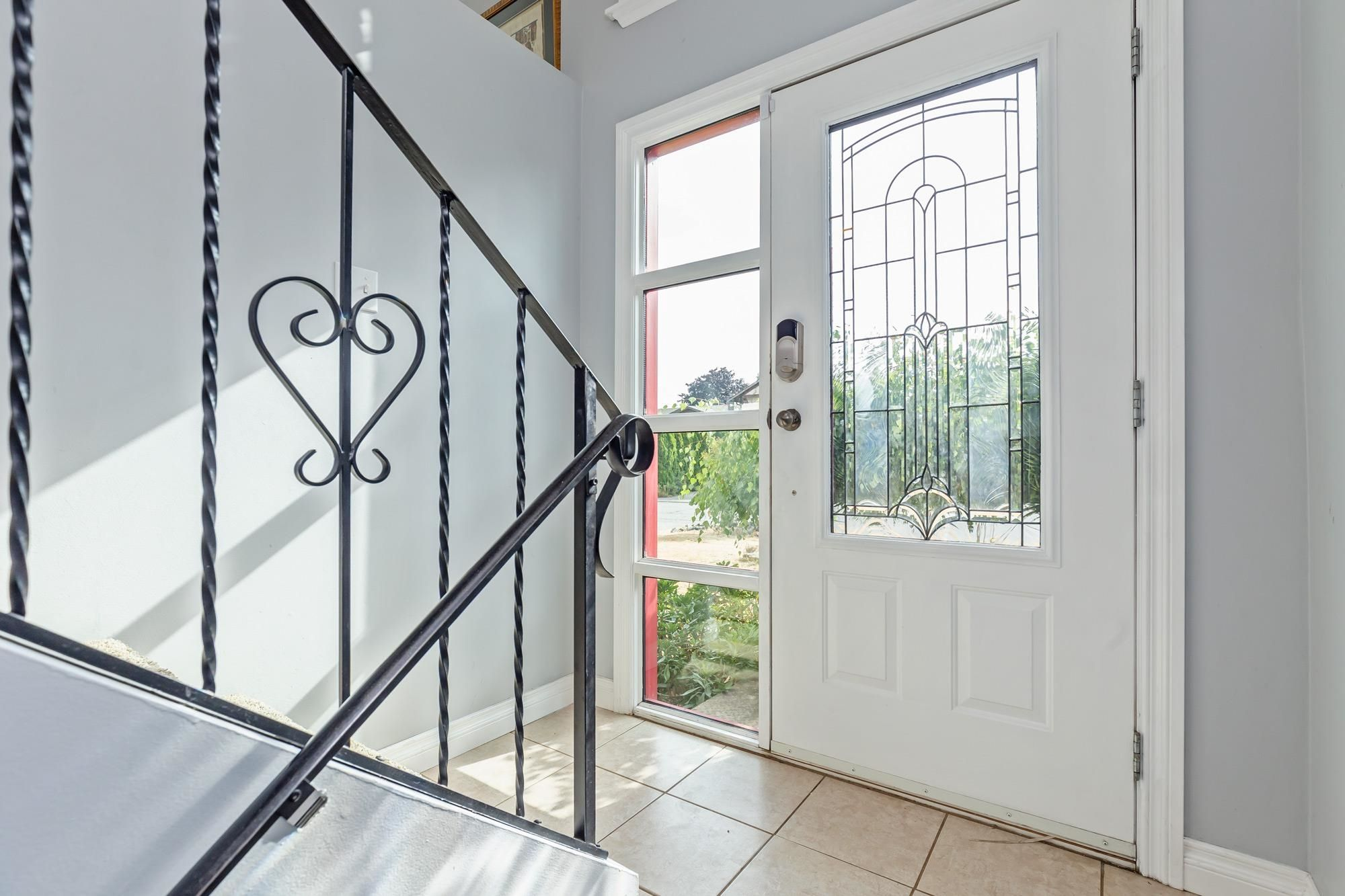 Photo 2: Photos: 32319 ATWATER Crescent in Abbotsford: Abbotsford West House for sale : MLS®# R2609136
