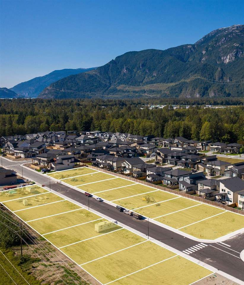 """Main Photo: 39373 CARDINAL Drive in Squamish: Brennan Center Land for sale in """"Ravenswood"""" : MLS®# R2413724"""