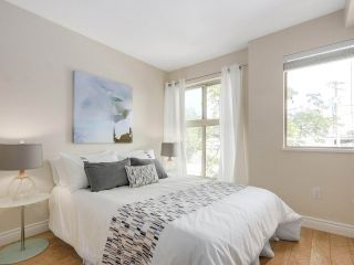 """Photo 13: 206 688 E 16TH Avenue in Vancouver: Fraser VE Condo for sale in """"VINTAGE EASTSIDE"""" (Vancouver East)  : MLS®# R2189577"""