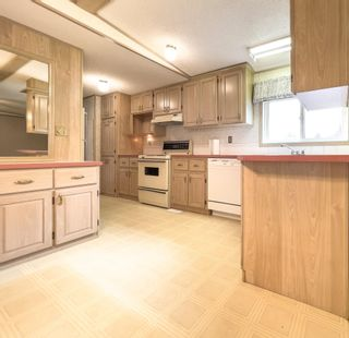 Photo 9: 4864 RANDLE Road in Prince George: Hart Highway Manufactured Home for sale (PG City North (Zone 73))  : MLS®# R2621060