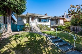 Photo 1: 823 W 64TH Avenue in Vancouver: Marpole House for sale (Vancouver West)  : MLS®# R2617029