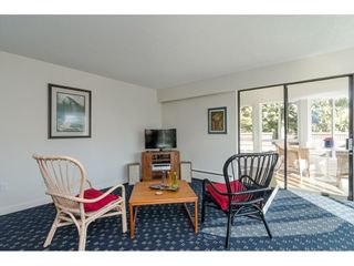 """Photo 4: 104 1322 MARTIN Street: White Rock Condo for sale in """"Blue Spruce"""" (South Surrey White Rock)  : MLS®# R2441551"""