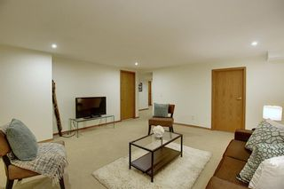Photo 35: 84 Strathdale Close SW in Calgary: Strathcona Park Detached for sale : MLS®# A1046971