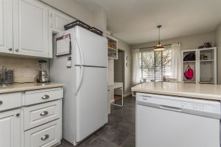 """Photo 6: 13 33951 MARSHALL Road in Abbotsford: Central Abbotsford Townhouse for sale in """"Arrow Wood"""" : MLS®# R2162342"""