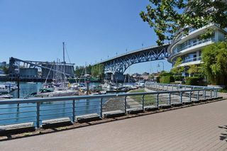 "Photo 20: 1005 638 BEACH Crescent in Vancouver: Yaletown Condo for sale in ""ICON"" (Vancouver West)  : MLS®# R2357913"