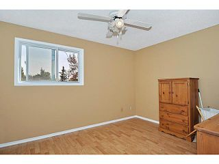 Photo 11: 48 32 WHITNEL Court NE in CALGARY: Whitehorn Townhouse for sale (Calgary)  : MLS®# C3541132