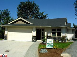 Photo 1: 3529 MIERAU Court in Abbotsford: Abbotsford East House for sale